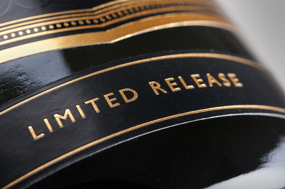 Ridgeview Blanc De Noir Closeup 4.jpg