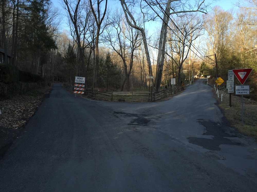 Going right results in a linking up of Old Carversville Road (unpaved). Going left means a closed road with either a U-turn or a challenge in Fretz Mill Road.