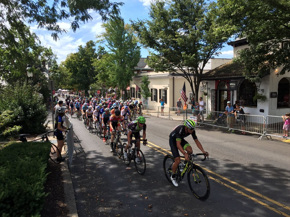 T he second lap of the men's race saw a Kelley Benefits Strategies/ LSV Elite Team ride off the front. The next lap would see new leaders. Chris Horner of Lupus Racing Team is the second rider in the picture (green helmet).