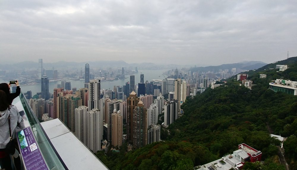 Hong Kong on a budget travel guide