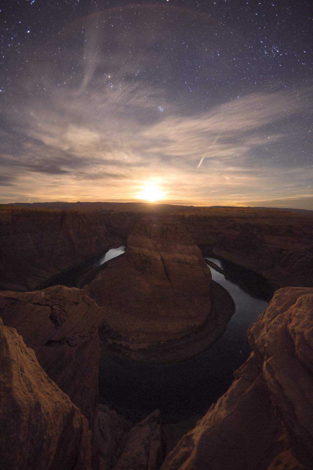 Moonset at Horseshoe Bend in Page, Arizona