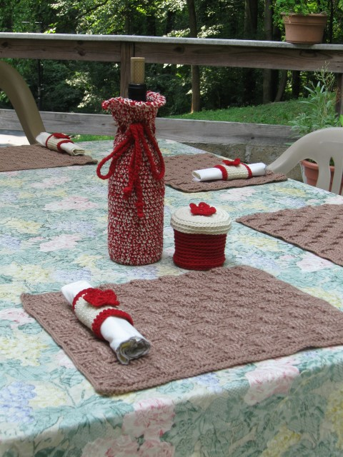 Picnic set, slightly closer (Small).JPG