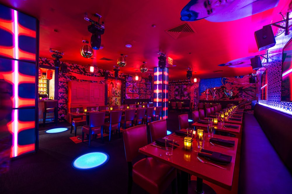 Sushi Roxx Interior 1 - photo by Andrew Werner_preview.jpg
