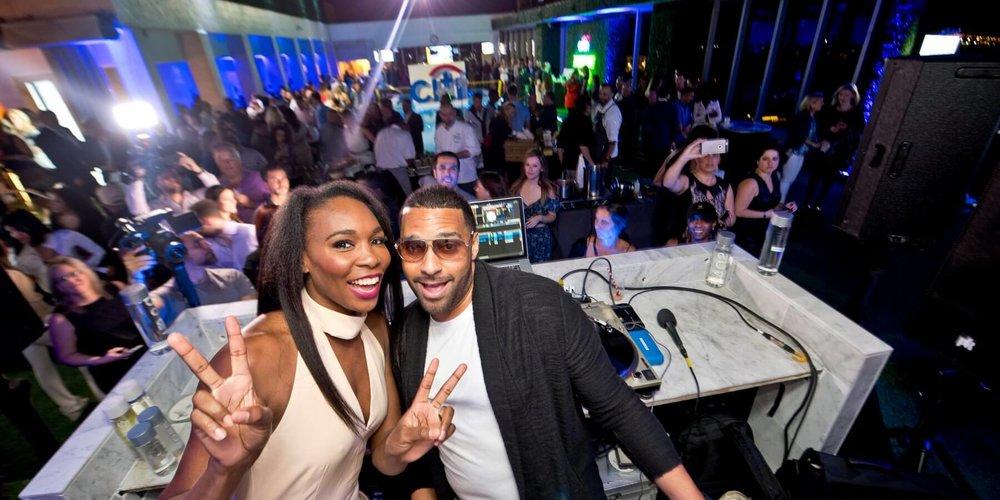 Mad-Linx-and-Venus-Williams-@-DJ-Booth-9-1800x900.jpg