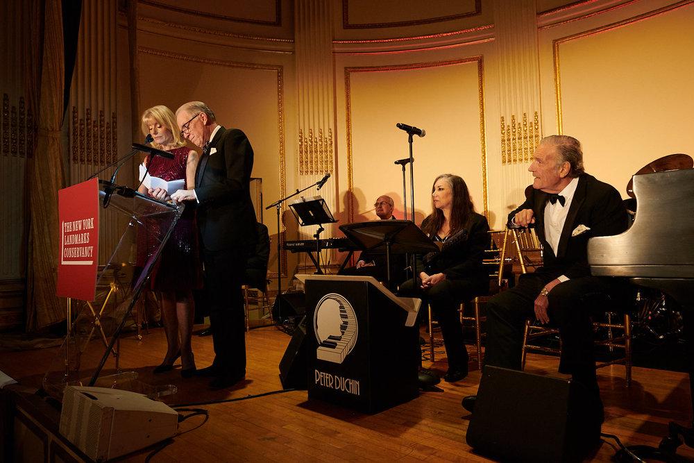 Liz and Jeff Peek accepting their award as Peter Duchin looks on 11-2-18.jpg