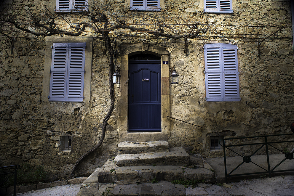 doors-15-saint_tropez-france-frederic_haguenauer-photographer-chrome-and-raw.jpg