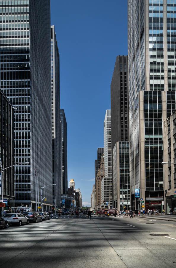 # NYC 9 . Size: 40/26,6 ; 60/40 ; 90/60 ; 120/80 cm. Prices: 80€ ; 120€ ; 180€ ; 250€
