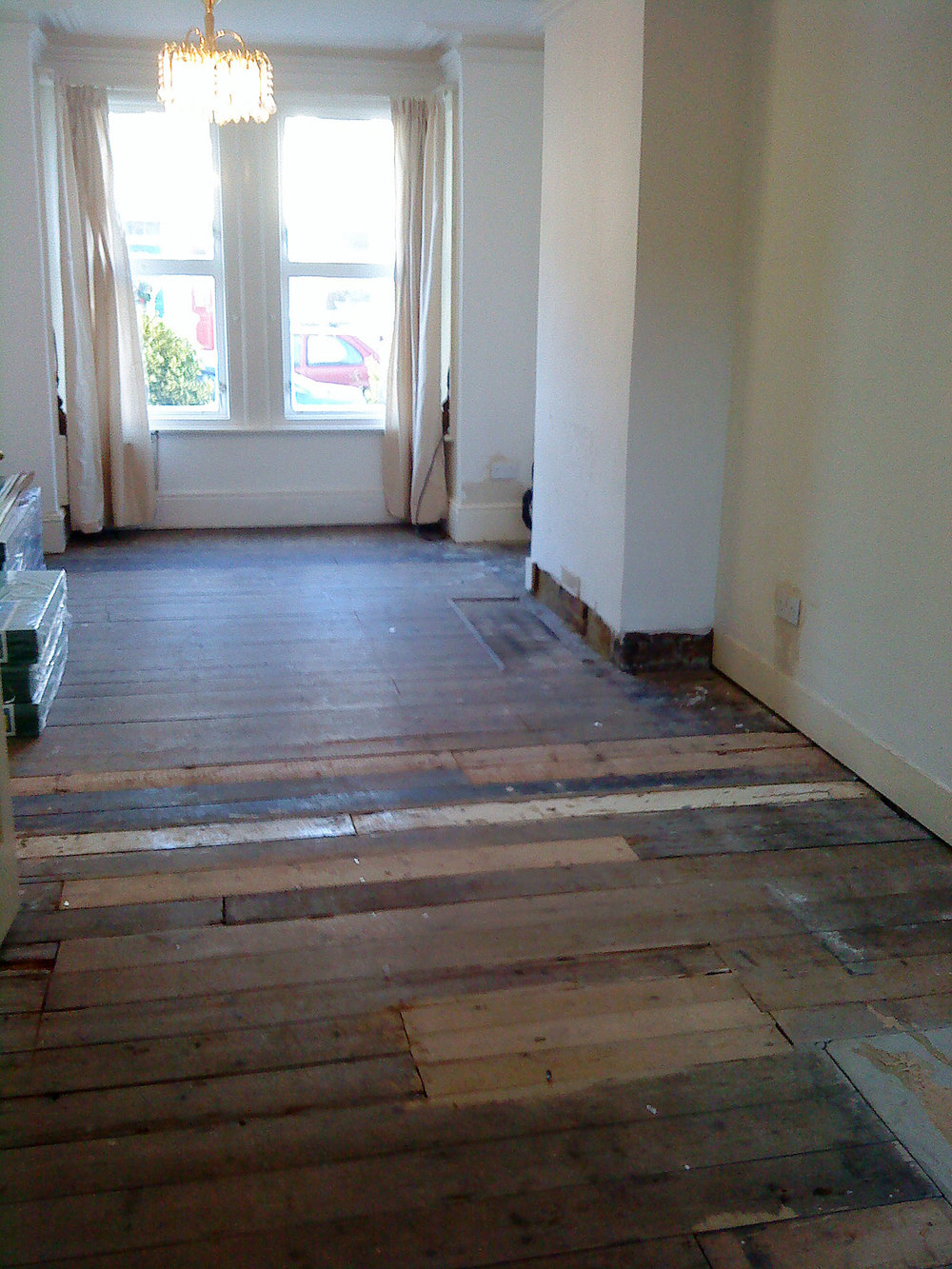 laminatefloor-before.jpg