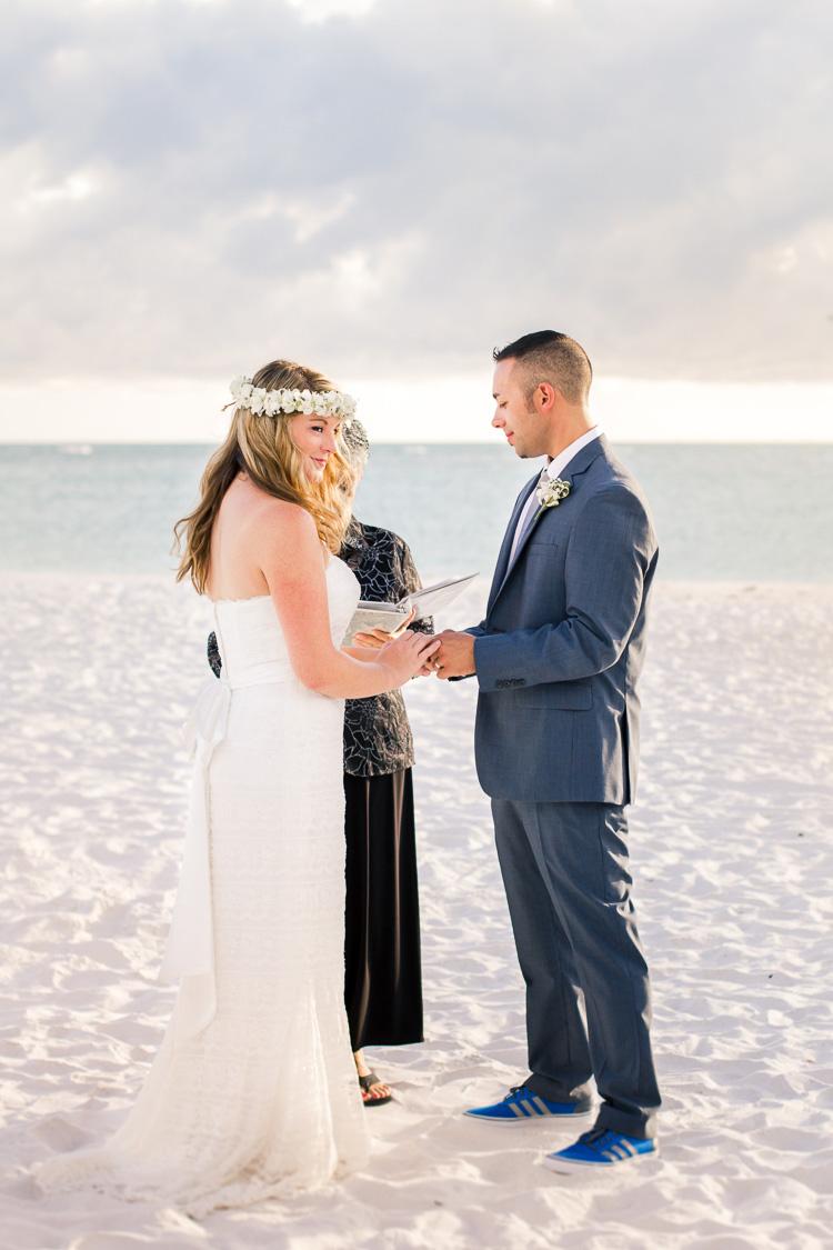 Siesta Key Beach Bohemian Wedding, Florida Destination Beach Wedding Photography | Laura & Adam | lmartinwedding.com_45