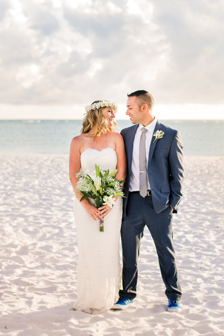 Siesta Key Beach Bohemian Wedding, Florida Destination Beach Wedding Photography   Laura & Adam   lmartinwedding.com_47