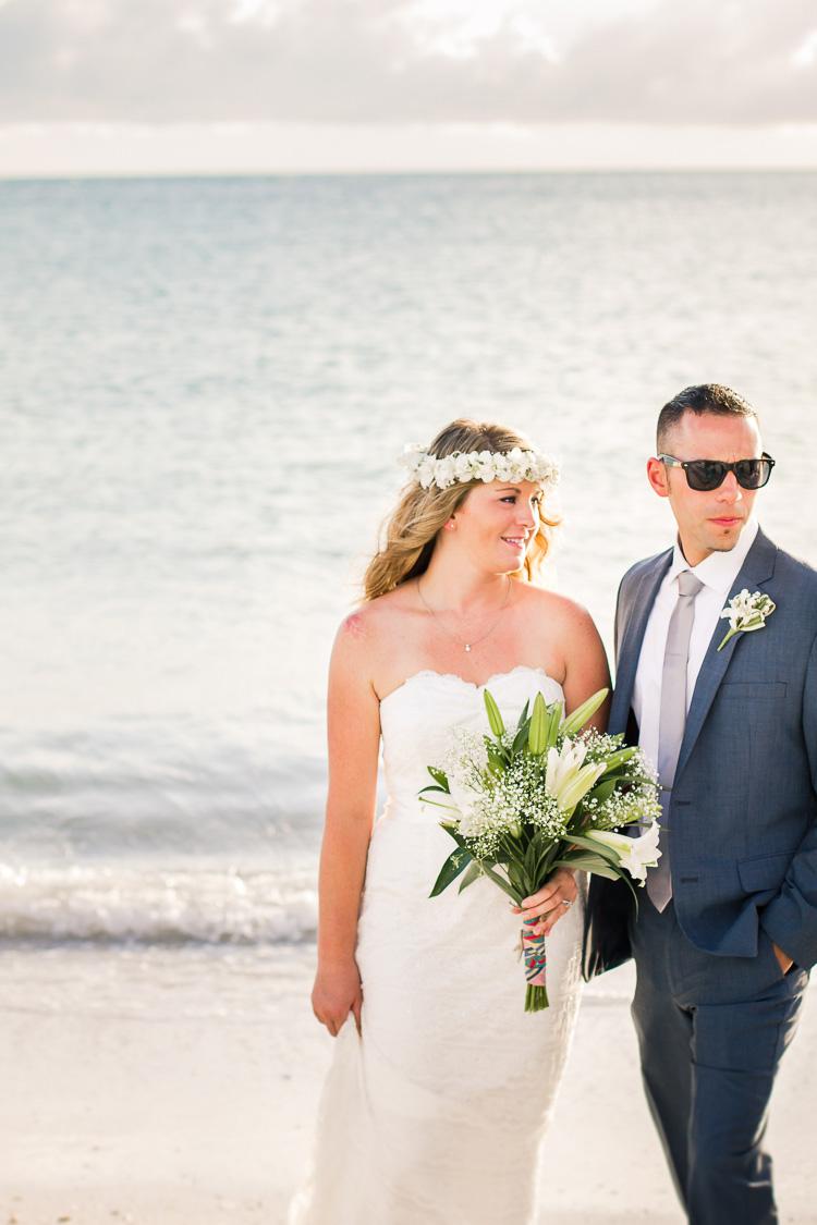 Siesta Key Beach Bohemian Wedding, Florida Destination Beach Wedding Photography | Laura & Adam | lmartinwedding.com_49