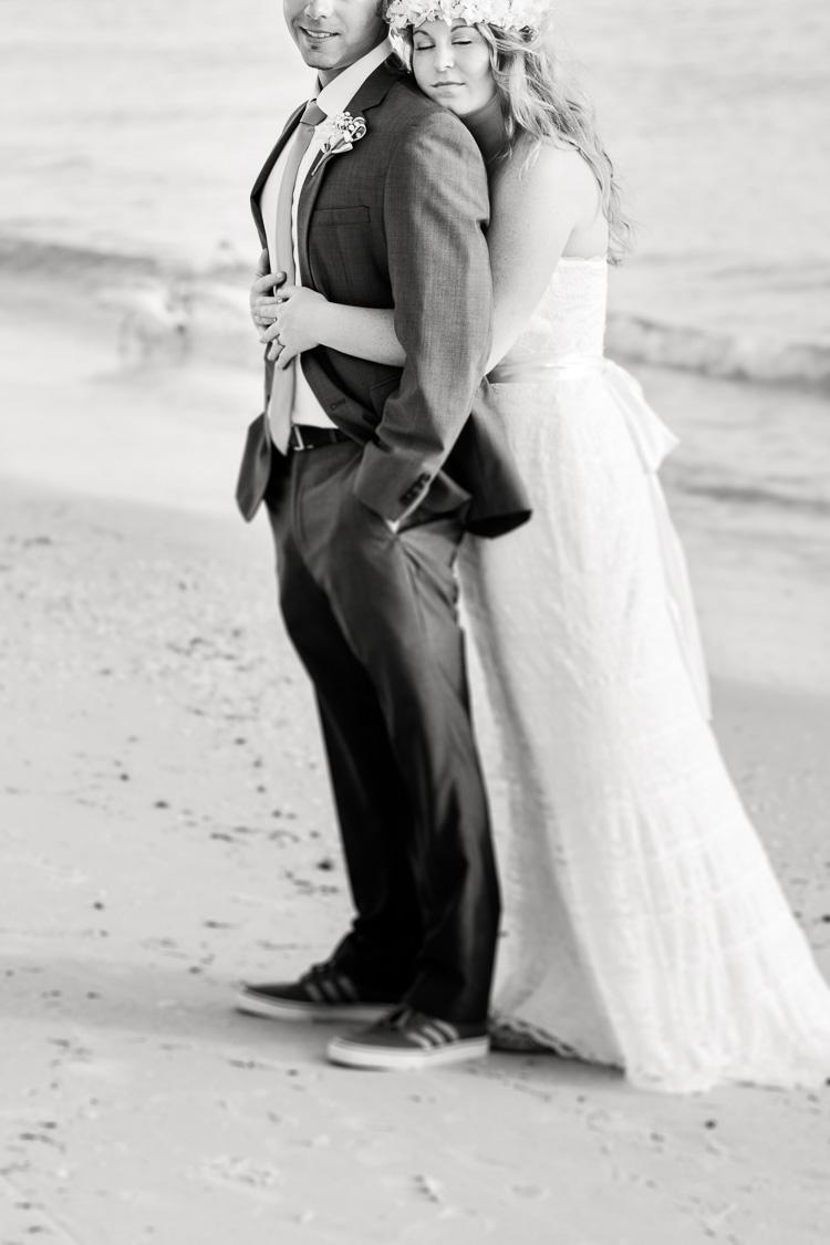 Siesta Key Beach Bohemian Wedding, Florida Destination Beach Wedding Photography | Laura & Adam | lmartinwedding.com_53