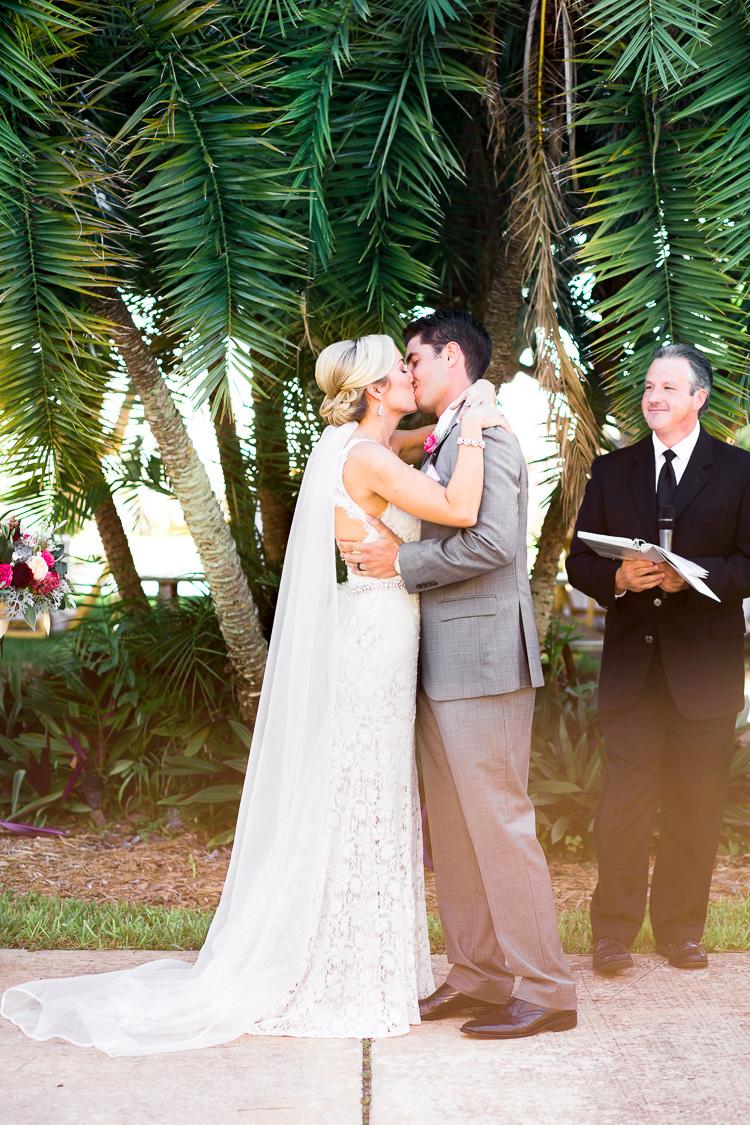 St. Pete_Beach_Post_Card_Inn_On The Beach_Wedding_Photo_Kelsy & Mike_44