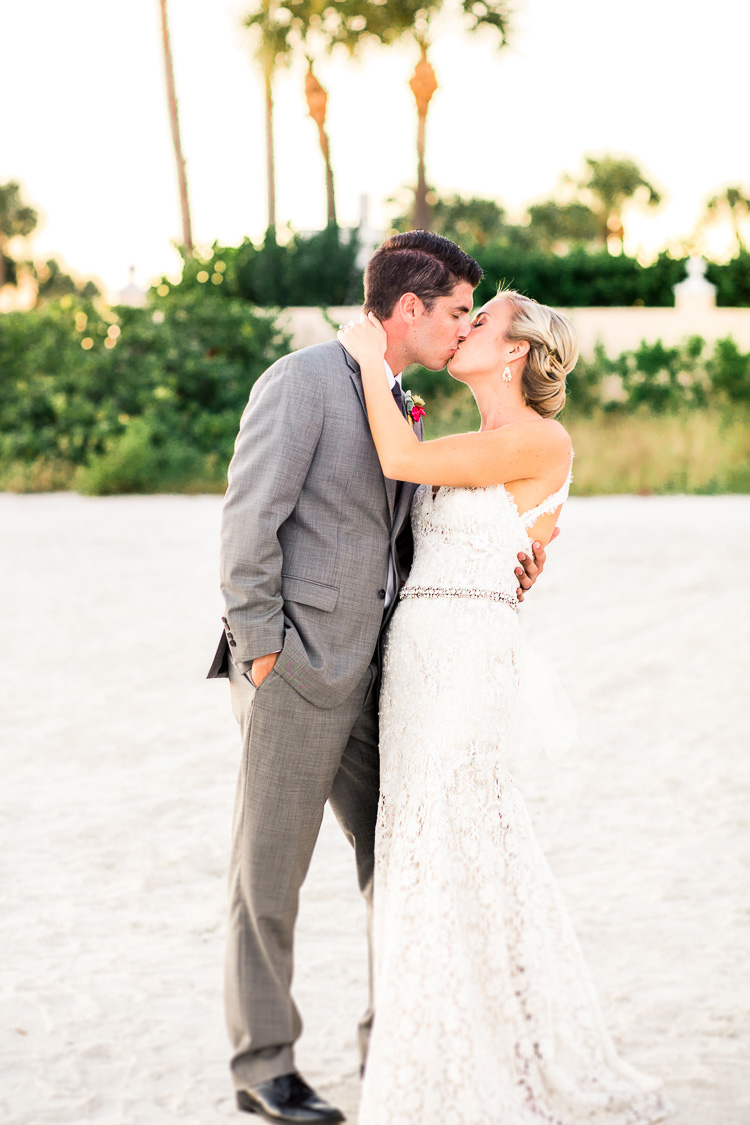 St. Pete_Beach_Post_Card_Inn_On The Beach_Wedding_Photo_Kelsy & Mike_54