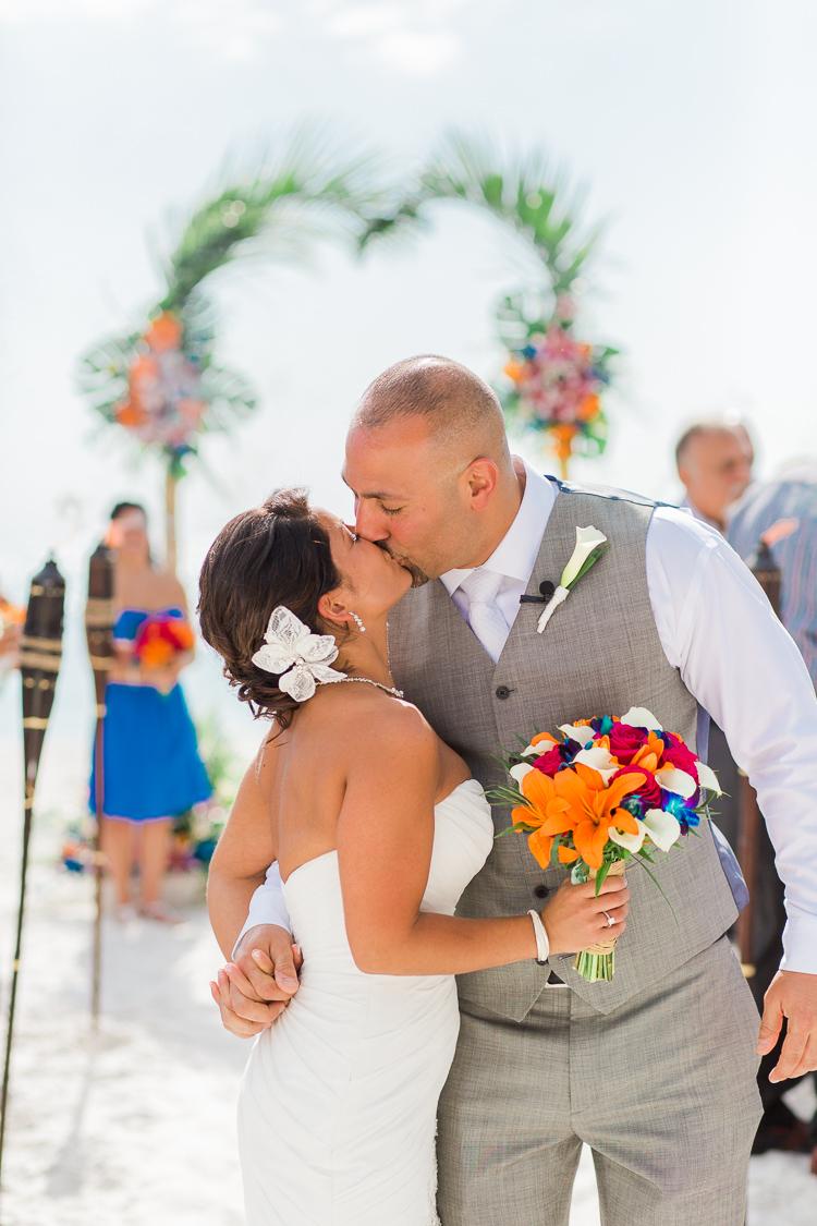 Siesta_Key_Florida_Beach_Wedding_Photo_Lisa & Paul-14