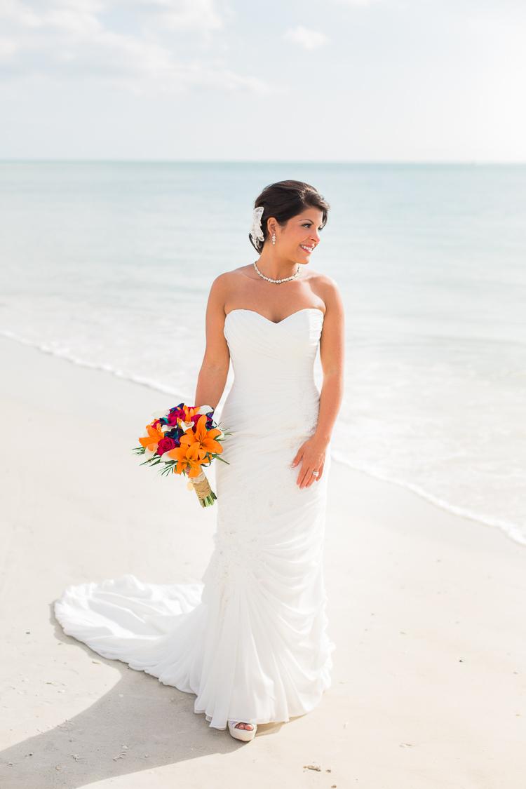 Siesta_Key_Florida_Beach_Wedding_Photo_Lisa & Paul-17