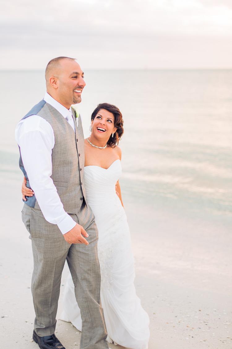 Siesta_Key_Florida_Beach_Wedding_Photo_Lisa & Paul-29