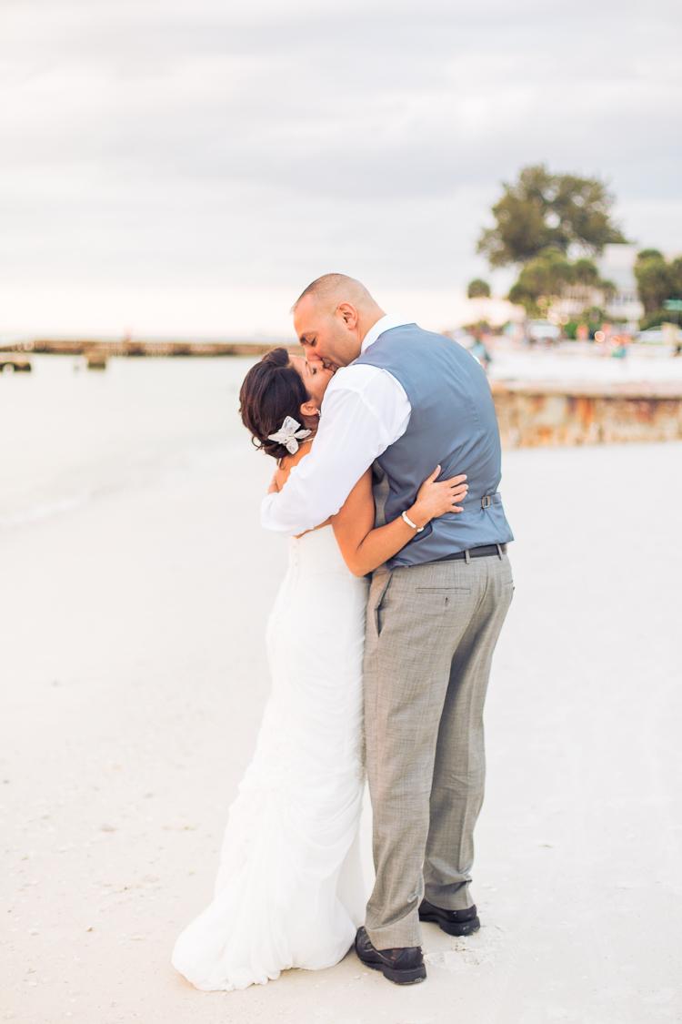 Siesta_Key_Florida_Beach_Wedding_Photo_Lisa & Paul-30