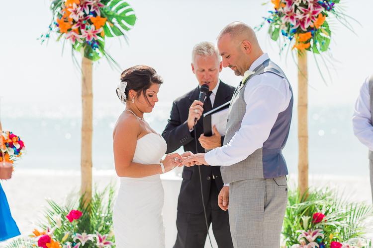Siesta_Key_Florida_Beach_Wedding_Photo_Lisa & Paul-45