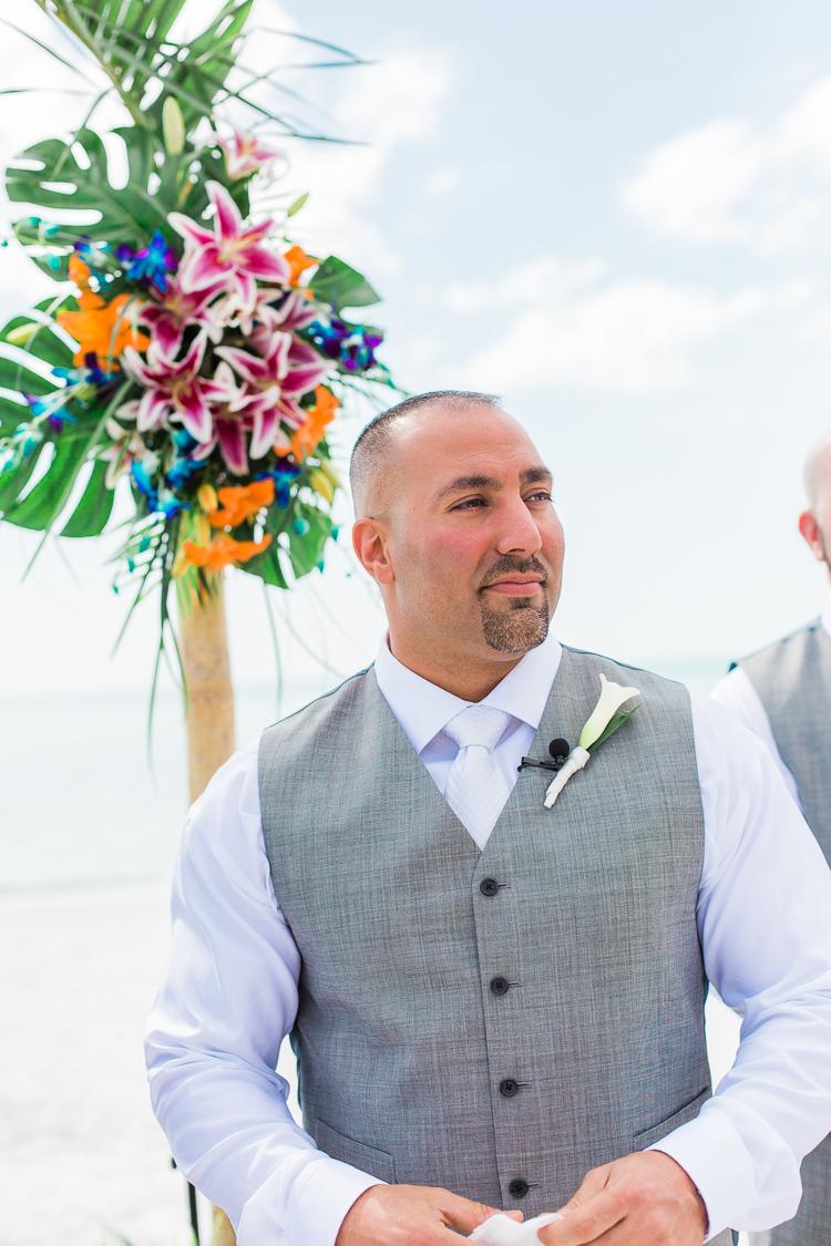 Siesta_Key_Florida_Beach_Wedding_Photo_Lisa & Paul-9