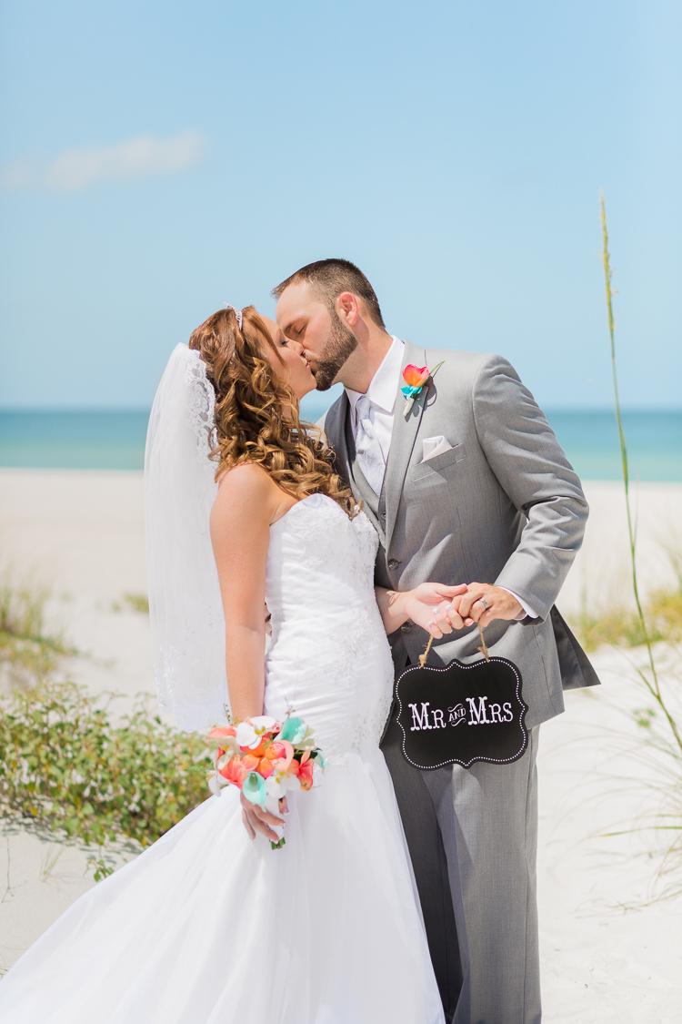 grand-plaza-hotel-st.-pete-beach-wedding-photos-danielle & monte-13