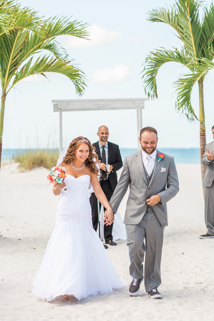 grand-plaza-hotel-st.-pete-beach-wedding-photos-danielle & monte-9