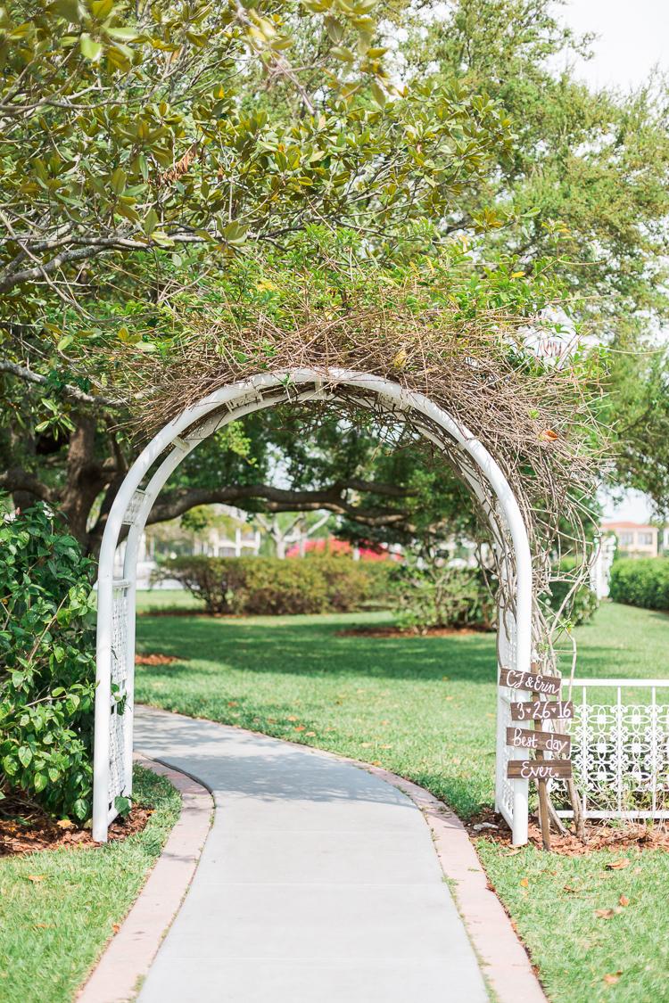 davis-island-garden-club-tampa-wedding-photo-lauren-galloway-photography-16.jpg
