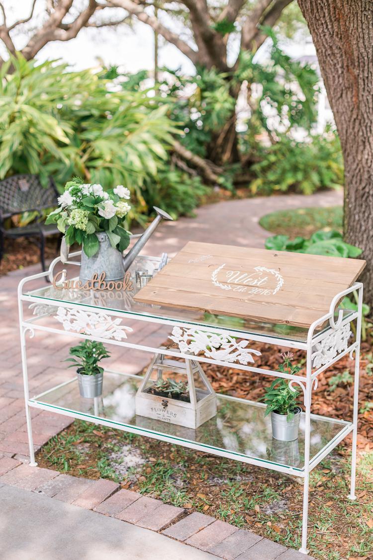 davis-island-garden-club-tampa-wedding-photo-lauren-galloway-photography-19.jpg