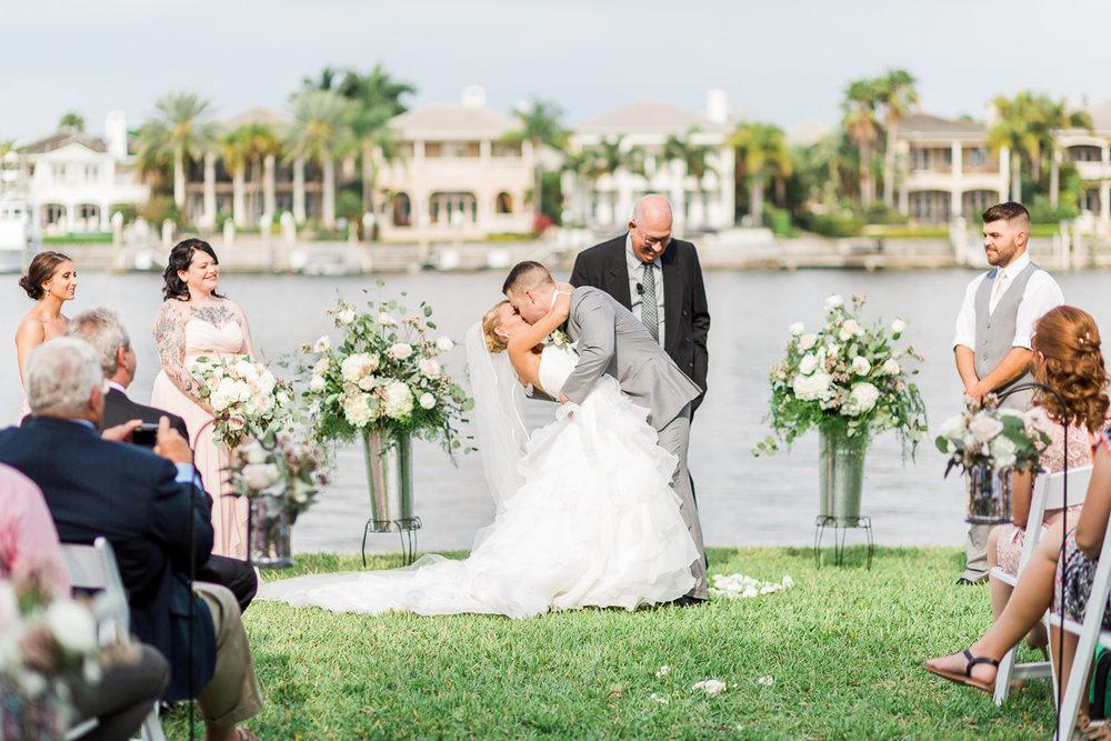 davis-island-garden-club-tampa-wedding-photo-lauren-galloway-photography-69.jpg