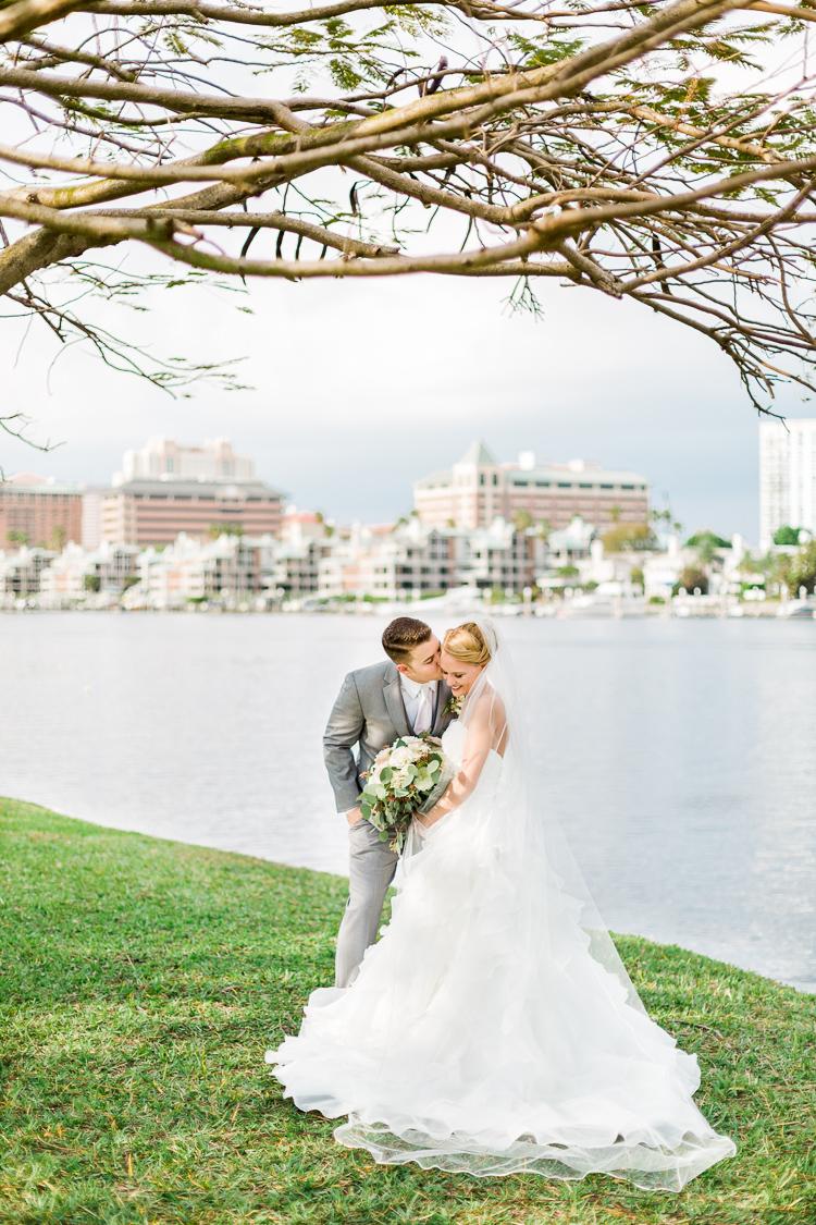 davis-island-garden-club-tampa-wedding-photo-lauren-galloway-photography-86.jpg