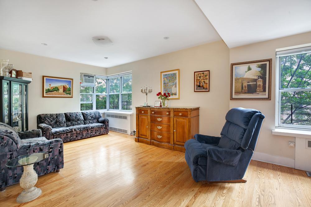 100 Bennett Avenue, #3C4CD - $1,350,000