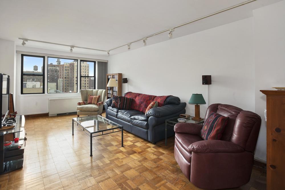 201 East 21st Street, #11F - $759,000