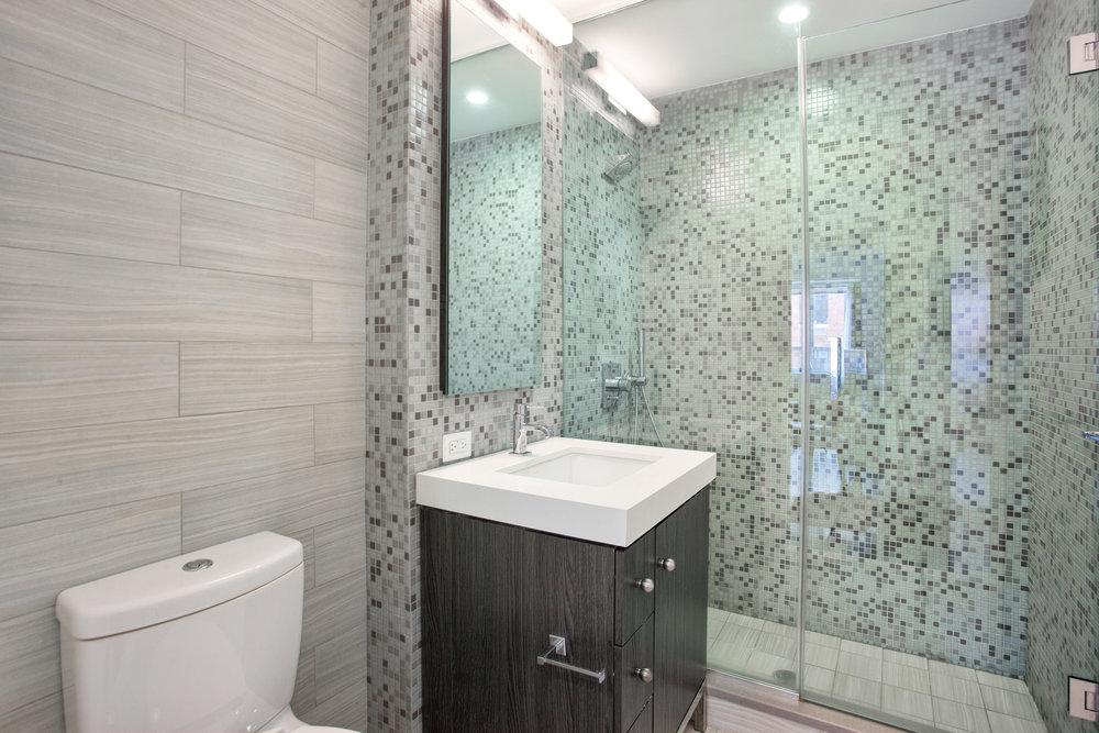 432w52ndst6f-bath.jpg