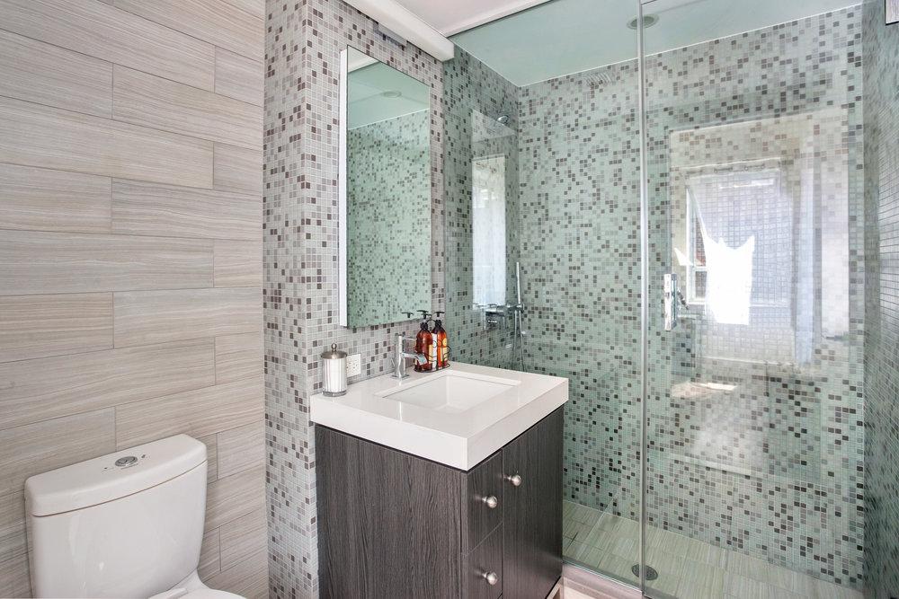 432w52ndst6a-bath.jpg