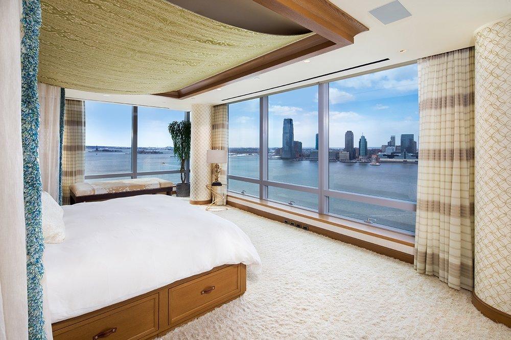 Tyra-Banks-Riverhouse-Duplex-Apartment-7.jpg