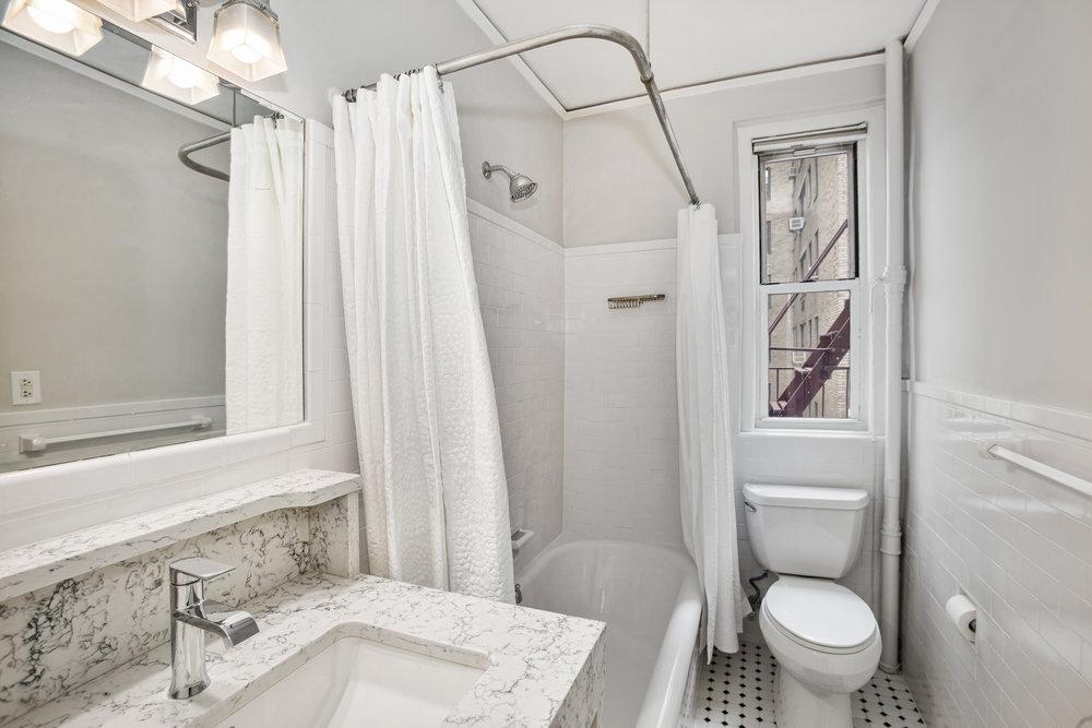 425e51stst5e-ht-bath.jpg