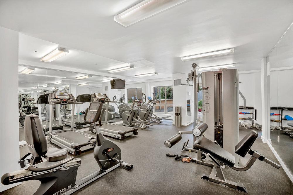 302_2ndst7f-gym.jpg