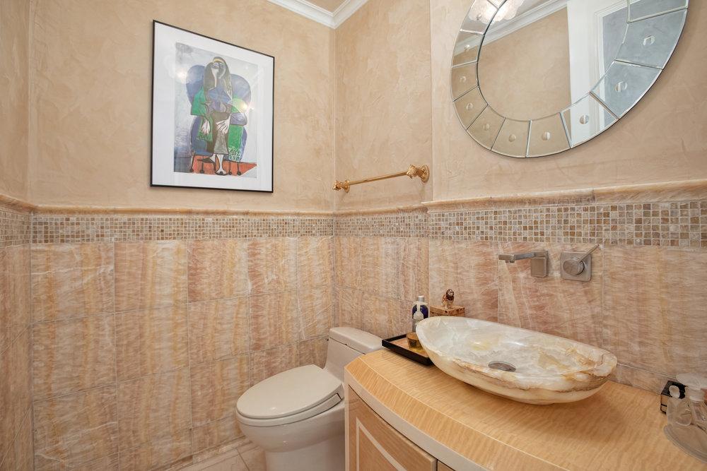 117e57thst20a-bath4.jpg