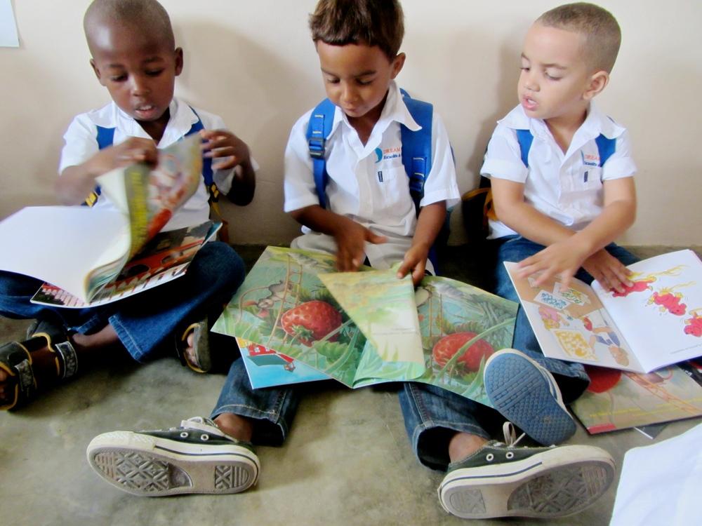EL DREAM PROJECT   Creemos que el aprendizaje cambia las vidas, y que todos los niños y jóvenes de la República Dominicana deben tener igual acceso a la educación.   Aprende mâs    Donar