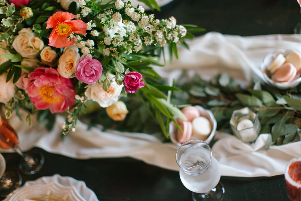 Bliss OKC | Melanie Foster | Sweet Peach Styled Shoot Floral Centerpiece Ranunculus