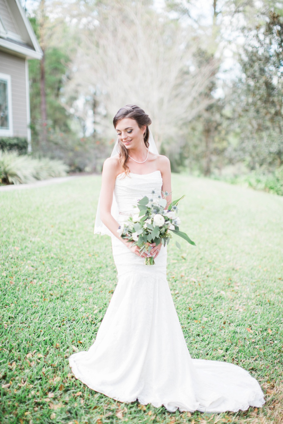 green-and-white-bouquet