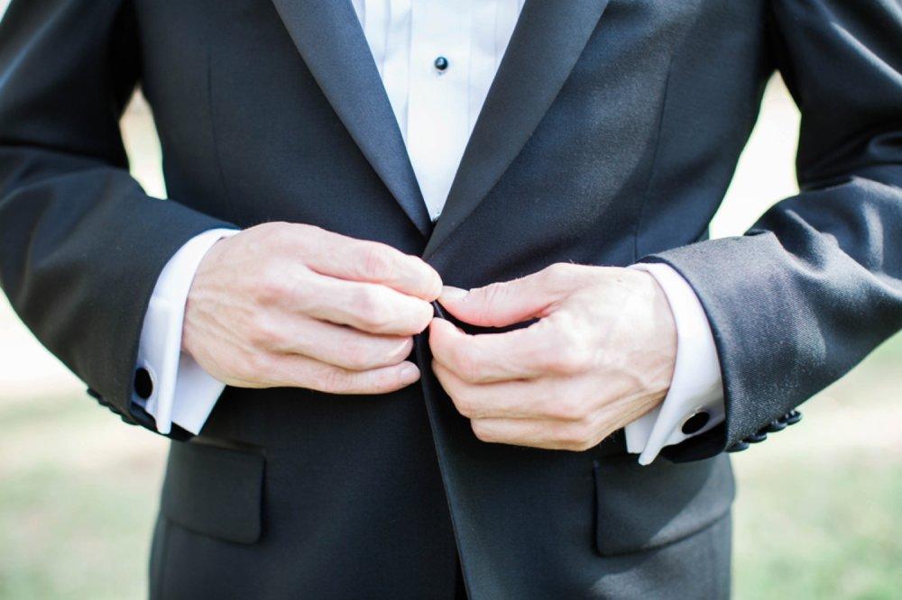 groom-getting-ready-photo