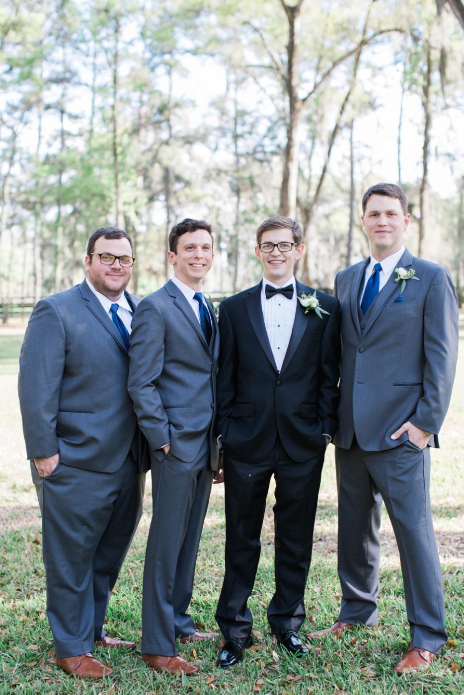 groomsmen-wedding-photo