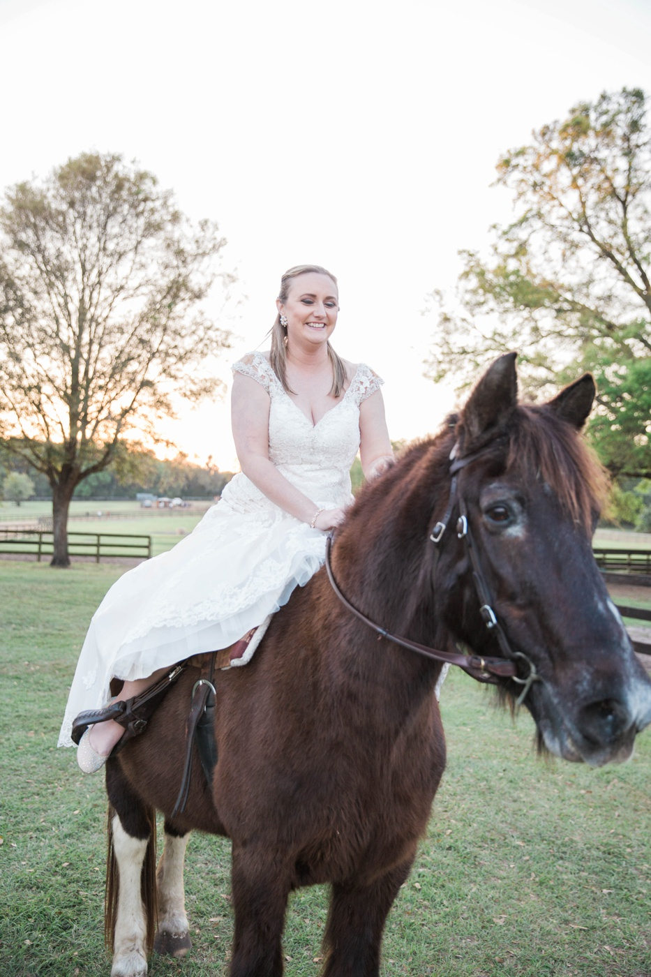 bridal-portraits-with-horse