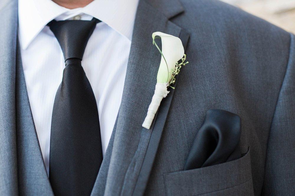 groom-portrait-details