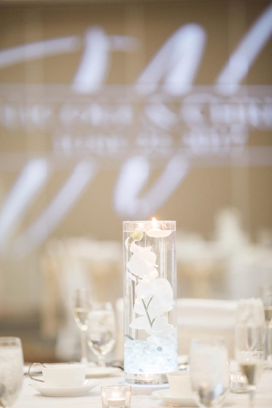 elegant-gold-and-white-wedding