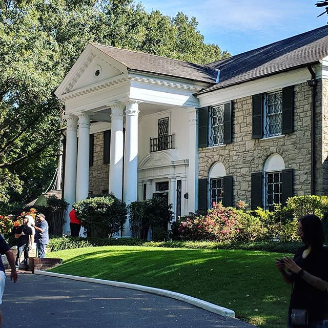 #graceland #elvis #vacation #roadtrip #memphis #music #rockandroll #history #museum #fatoldtourists