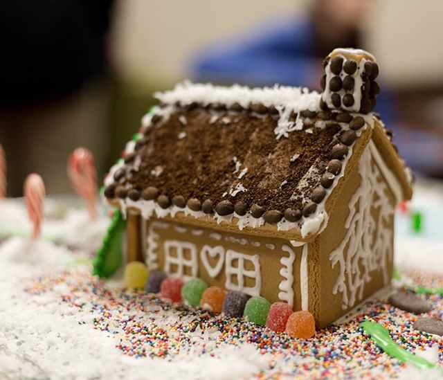 Can you do better than this? Come find out! December 20th at 645. $25 for a team of up to four. Bring your own decor, we provide the basic house. Sign up by the 18th.  #ihearthsv #eatlocalhsv #eathsv #huntsvillealabama #madisonal #gingerbreadhouse