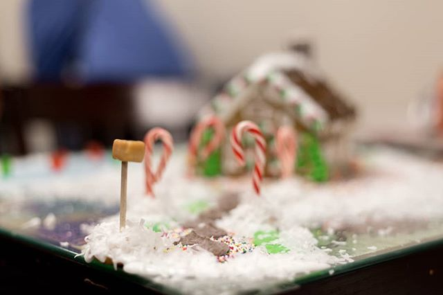 Don't forget, Tuesday is the last day to sign up for the ginger bread house competition. $25 for a team of four. We provide the house, you provide the decor. Competition is Thursday night starting at 6:45 PM.  See you then!  #eatlocalhsv #madisonal #huntsvilleal #ihearthsv #gingerbreadhouse