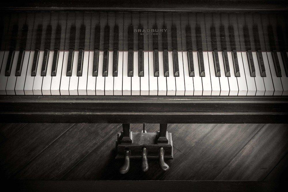PianoOldFriendB&W (1 of 1).jpg